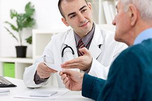 Консультация у врача уролога по поводу аденомы надпочечника